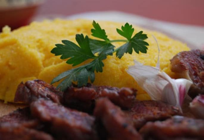 romanian dishes - mutton pastrami